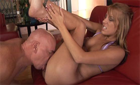 Bald Fucker Prepared her Pussy with his Tongue Before Intense Creampie