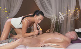 Seductive Masseuse Prepares Dick with Oiled Handjob for her Wet Pussy
