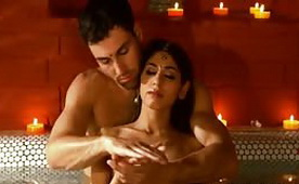 Romantic Indian Couple is Making Love in a Bath