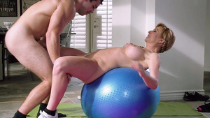 Mature Pussy Got Hard Exercise By Trainer Strong Cock!!