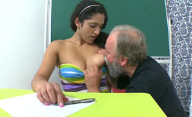 Old Grandpa Teacher is Willing to Share Sexual Experience with the Student