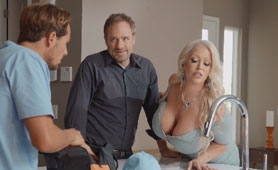 Cheating MILF Sex Videos - The Young Plumber Can Die Here Today!
