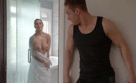 Alexis Zara Hot Babe With Big Tits Fucked After Showering