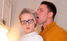 Young Geek Chick Hanna Rey Cheats On Her Boyfriend